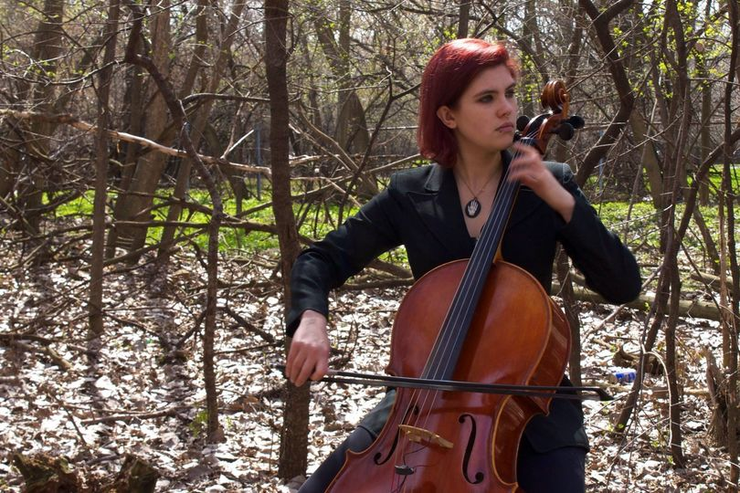 Leyla I Royale, cellist.