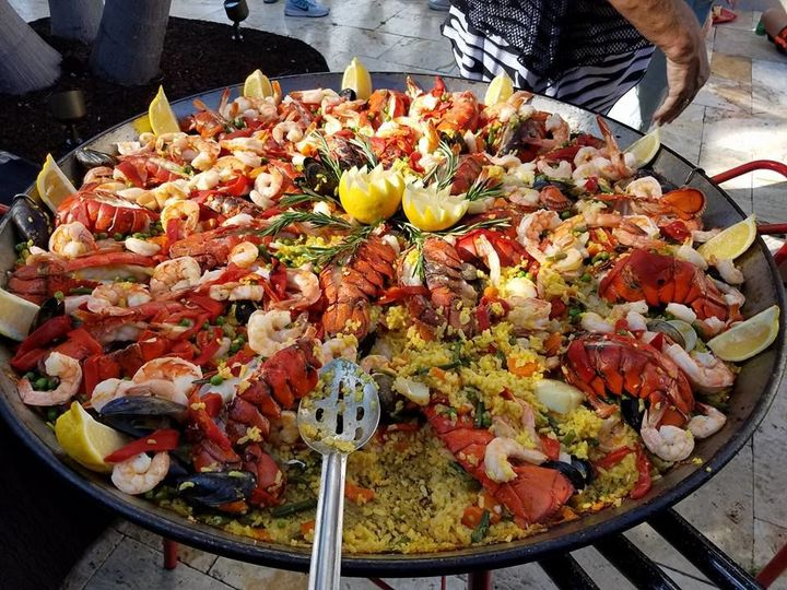 Large plate of Paella