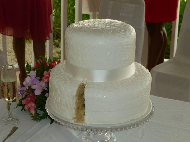 2 layered cake