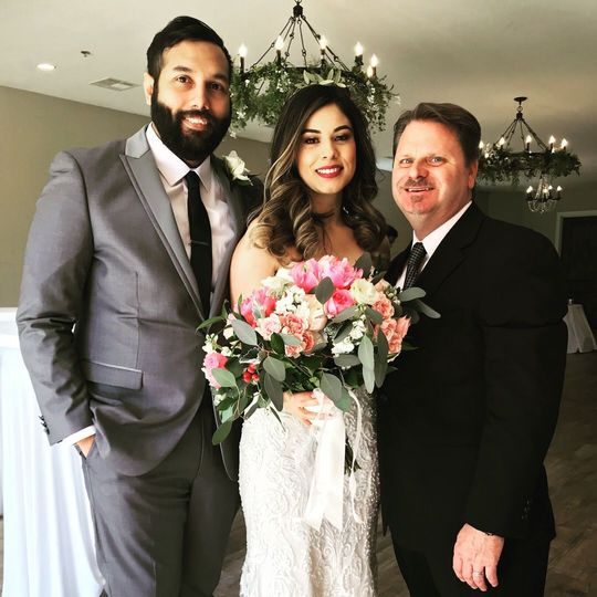 Congrats to Estefan & Jess, thanks so much for allowing me to officiate!  It was an honor!