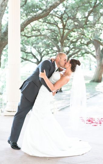 Sealing Weddings... With this Kiss Charleston!