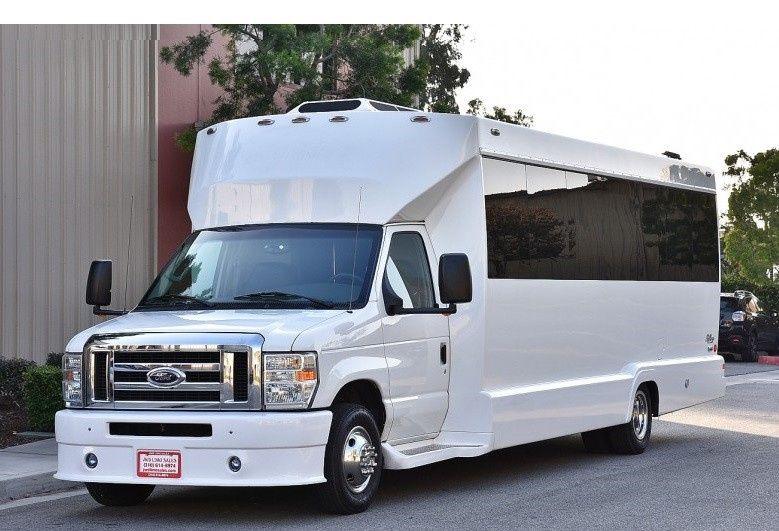 Tiffany Limo bus 18 passenger