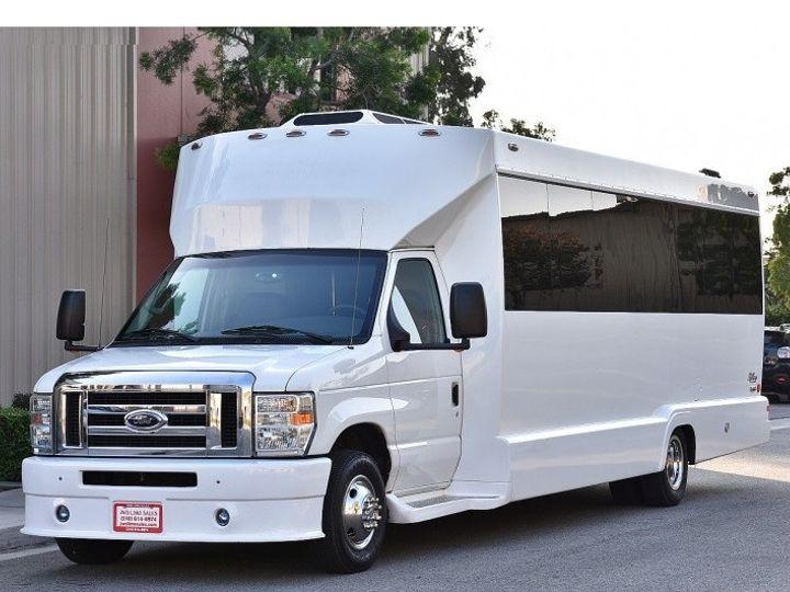 Tmx   51 118292 158199553964195 Milwaukee, WI wedding transportation