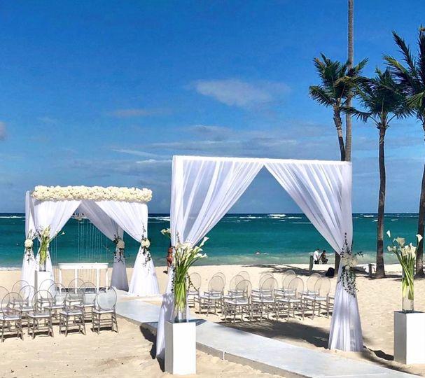 Beach Wedding with extra Arch