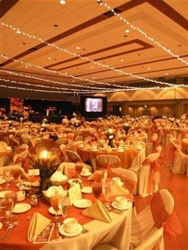 The Centennial Hall can accommodate you and up to 800 guests for your special evening