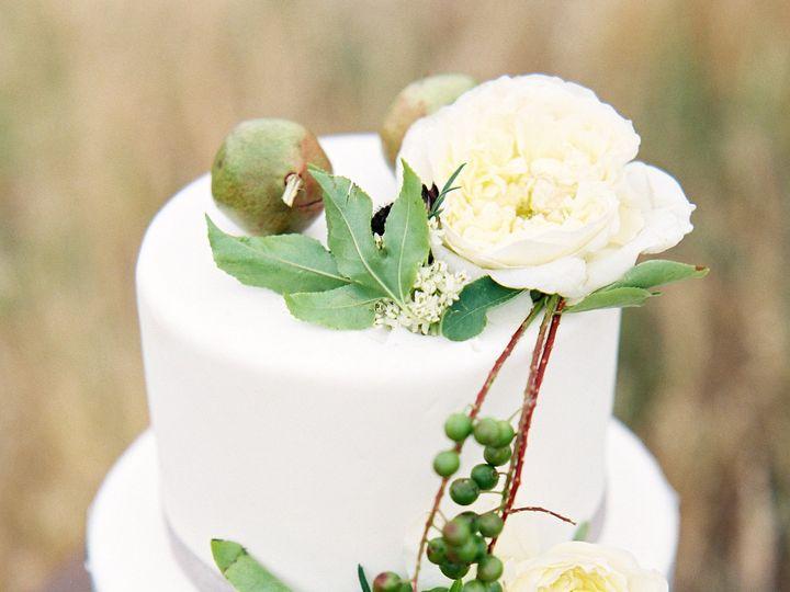 Tmx 1421353104866 Corinnekroghpegasusshootroll40064 Vancouver, Oregon wedding cake