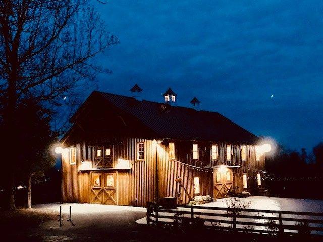 Tmx Barn At Night 51 1012392 158099677580585 Leesburg, VA wedding venue