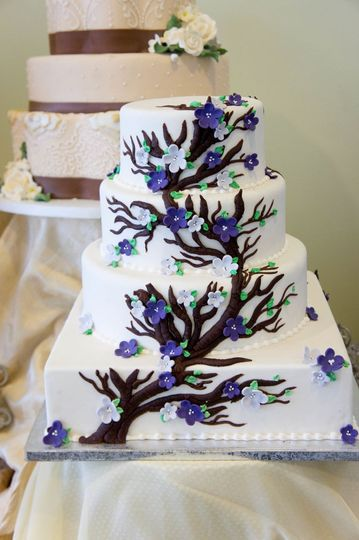 celebrity cake studio wedding cake tacoma wa weddingwire. Black Bedroom Furniture Sets. Home Design Ideas