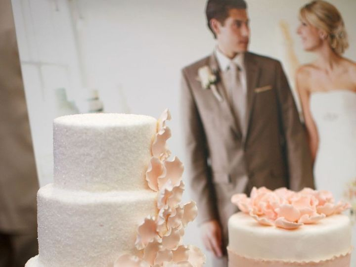 Tmx 1392762906905 Azzuraphotography01 Tacoma, Washington wedding cake