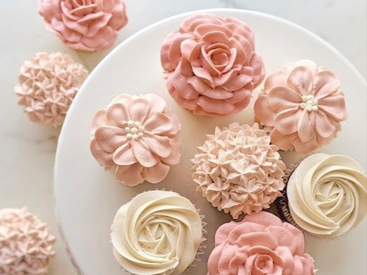 Tmx Cupcakes Custom Buttercream Flowers Square 51 44392 1568917393 Tacoma, Washington wedding cake
