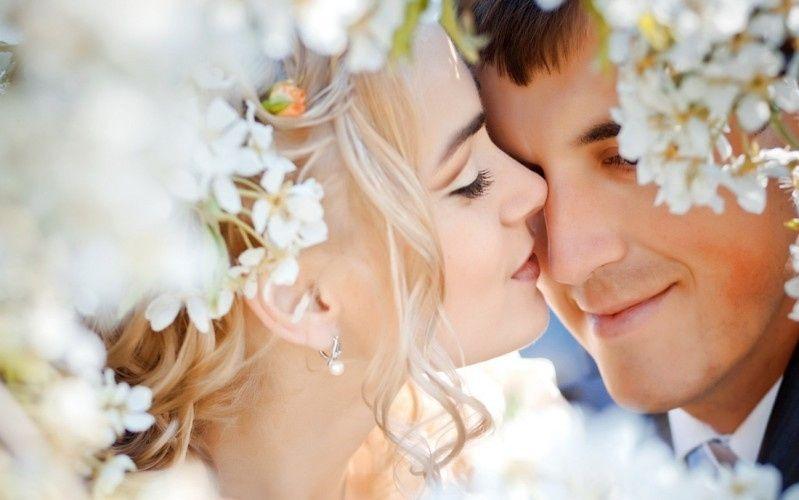 wedding couple love feelings flowers1920x1200 799x