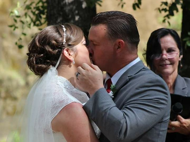 Tmx 1532200853 6227f38f35f1d0a2 Kody DaniBigKiss.20180526 Chico, California wedding officiant