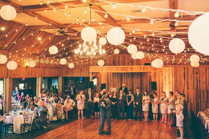 Wedded couple dancing