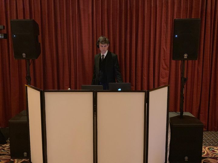 DJ Ianu, warming up!