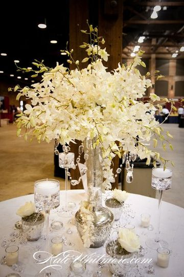 White table centerpiece