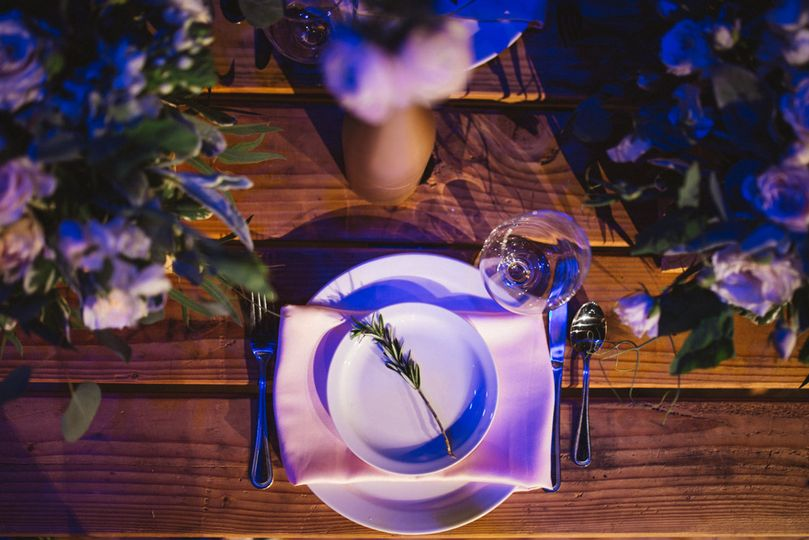 Serenity and Rose Quartz rustic wedding. Photographer: Diego de la Rosa