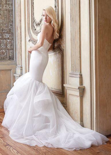 alvina valenta bridal silk faced duchess trumpet h