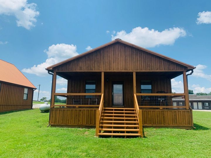 Cabins/Hotel Rooms for guests