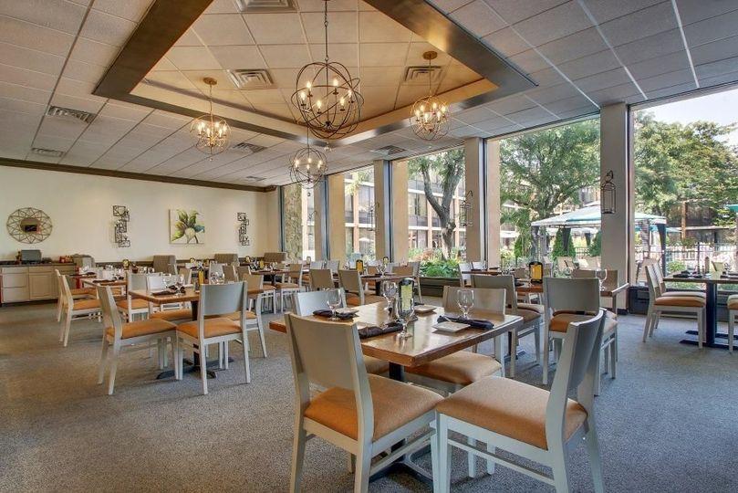LiLLiES Restaurant & Bar