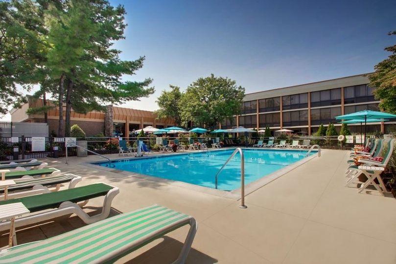 Outdoor Swimming Pool (seasonal)