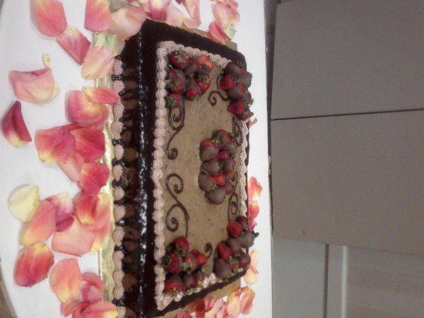 Tmx 1204255319809 SSPX0035 Humble wedding cake