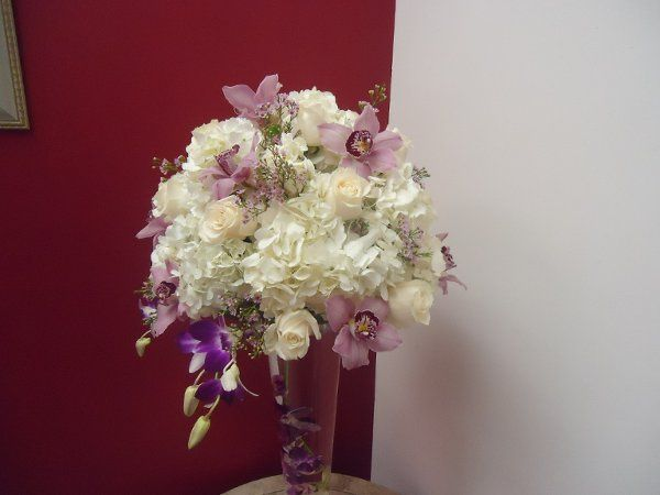 Light themed floral decoration