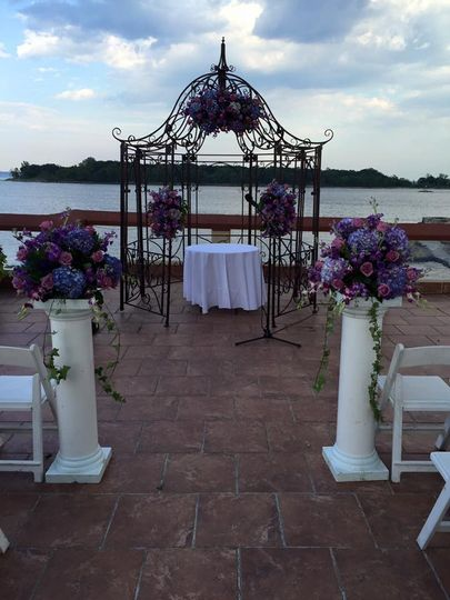 Wedding arc decor