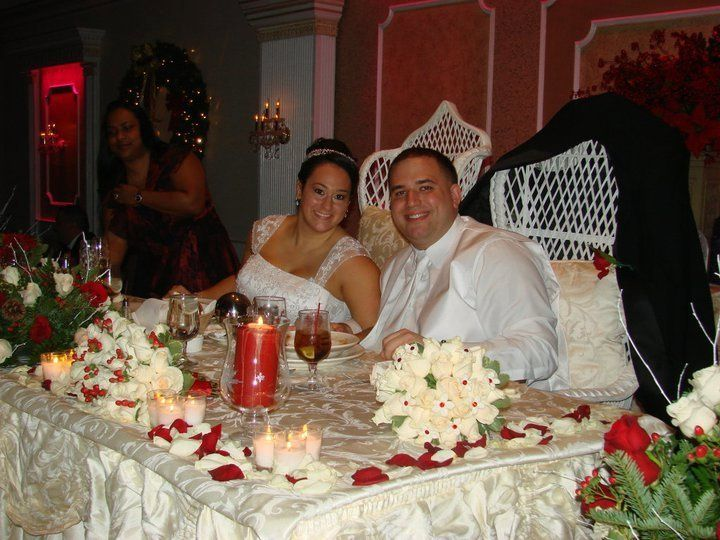 Tmx 1344275122210 Bedofroses2 Yonkers, New York wedding florist