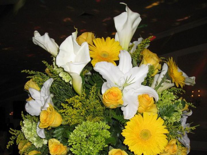 Tmx 1344275140762 Bedofroses6 Yonkers, New York wedding florist
