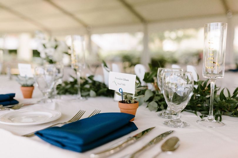 Place Setting with Guest Favor