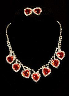 This is the gorgeous lear rystals wedding bridal jewelry set from Dressni.com