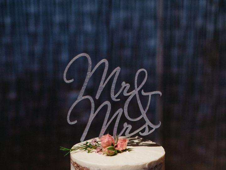 Tmx 1520340887 Cf51258d918d9286 1520340885 22f193a3a8e71062 1520340884712 6 OJ 204 Brooklyn wedding cake
