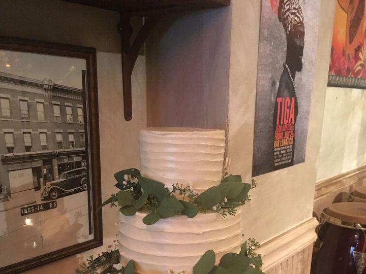 Tmx 1520341359 5f30a1c9fc7405c8 1520341356 4a1b1d3fe72670a1 1520341354776 16 File 000  2  Brooklyn wedding cake