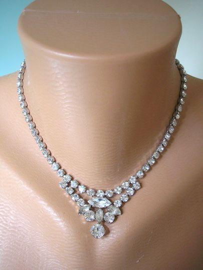 white rhinestone necklac