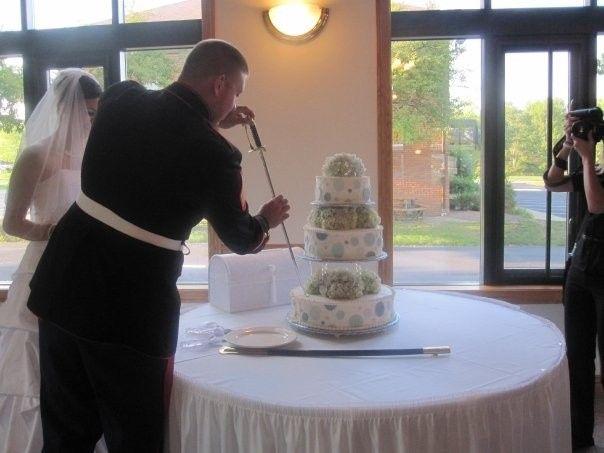 Tmx 1457973513815 Cutting The Cake Akron wedding planner