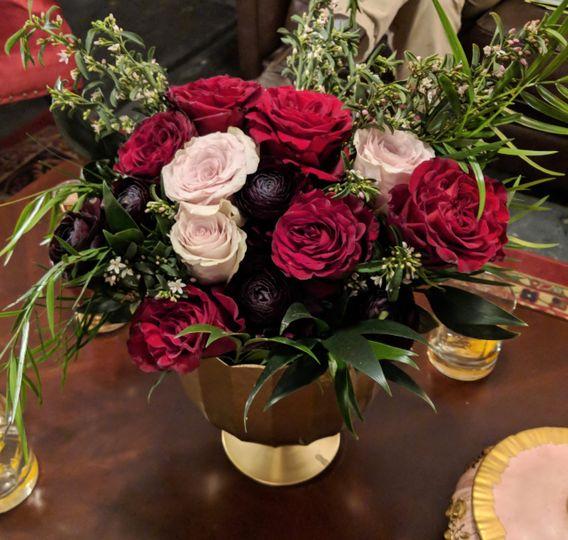 Tabletop floral arrangement