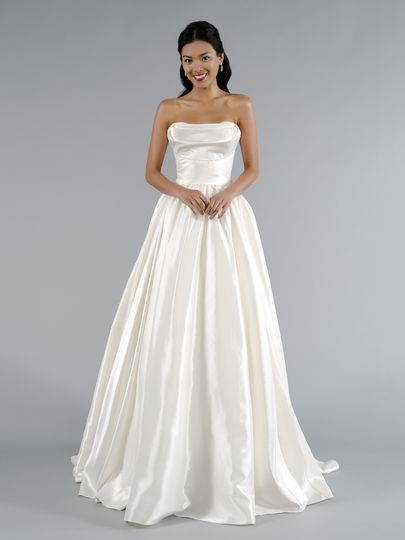 Kleinfeld bridal dress attire new york ny weddingwire for Wedding dress rental manhattan