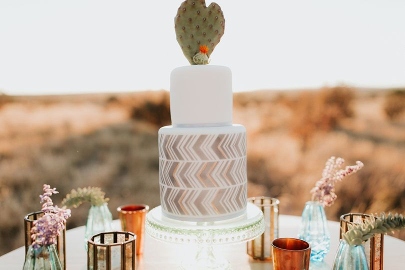 Maggie S Cakes Wedding Cake Santa Fe Nm Weddingwire