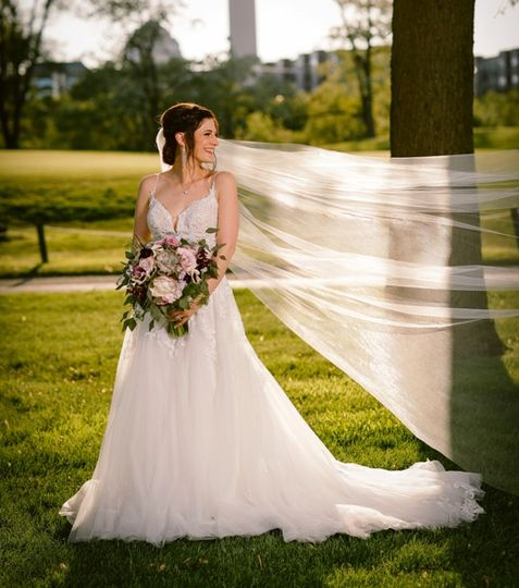 bride with veil flowing 51 570692
