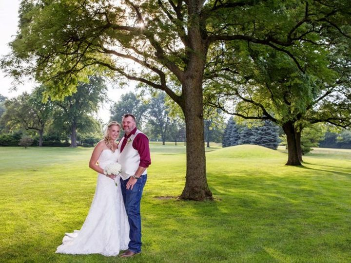 Tmx Bride And Groom In Middle Of Course Nice Ww 51 570692 Wood Dale, IL wedding venue