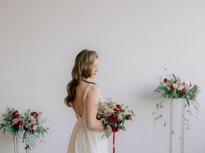 Tmx Nystyledshoot Fallstyledshoot 0186 51 1001692 1561346044 Providence, RI wedding florist