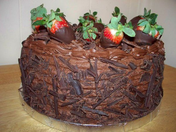 800x800 1321578520522 chocolatecoveredstrawberrycake