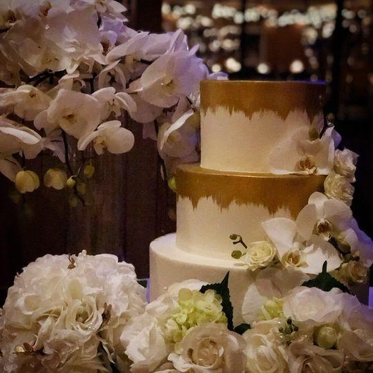 Multiple lyered cake