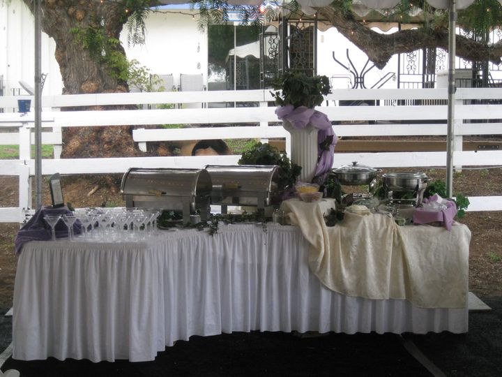 Romantic and simple buffet design