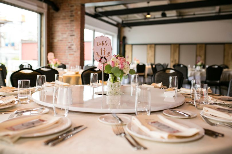 Table setting | STUDIO 1 PHOTOGRAPHY