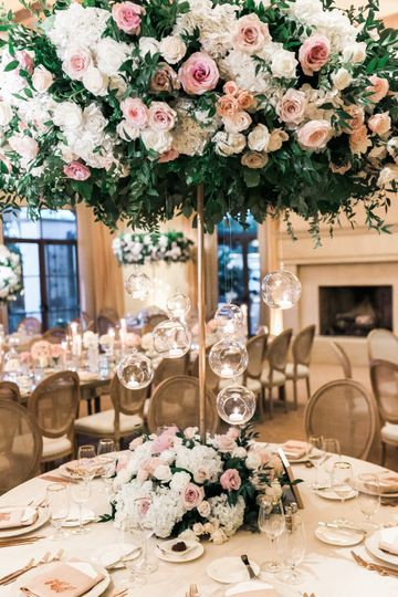 Tall and lush centerpiece
