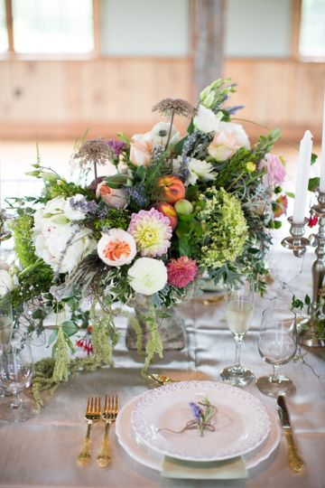 Close up of gorgeous floral arrangement for tablescape by the Tangled Grapevine.  French Country...