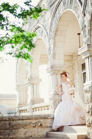 Bridal portrait at chateau bellevue