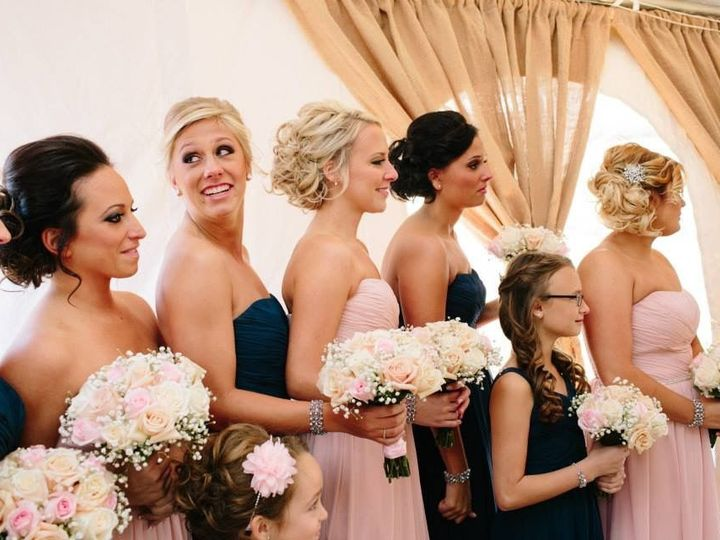 Tmx 1517589714 67c24bb3540eacbf 1517589712 117660cef3e08f68 1517589697825 34 Jennie Iphone Pic Eastpointe, MI wedding florist
