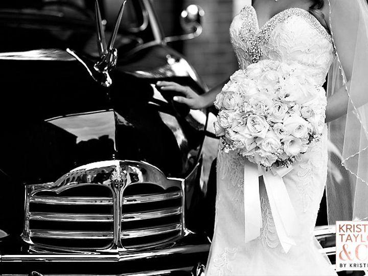 Tmx 1517589751 F1fb166625520bbd 1517589704 3bf9388d61ef3ada 1517589697812 16 Bl 015 Yhprum Eastpointe, MI wedding florist